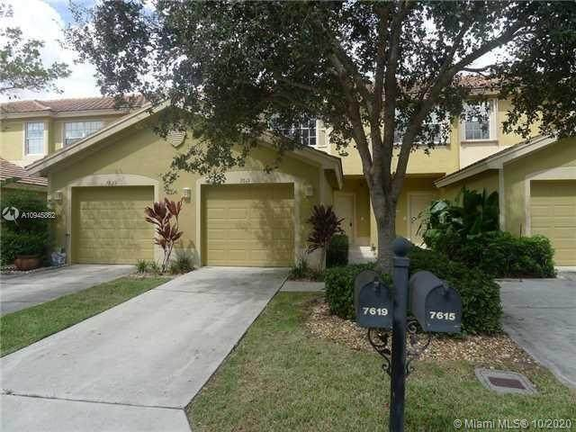 7619 Sonesta Shores Dr, Lake Worth, FL 33463 (#A10945862) :: Dalton Wade