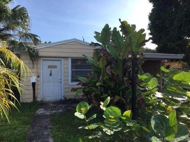 2640 Wilson St, Hollywood, FL 33020 (#A10945916) :: Dalton Wade