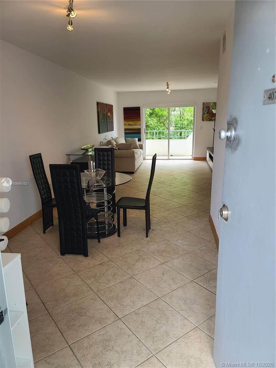 1610 Lenox Ave - Photo 1