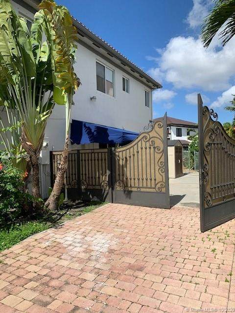 15373 SW 19th Ter A, Miami, FL 33185 (MLS #A10947623) :: The Teri Arbogast Team at Keller Williams Partners SW