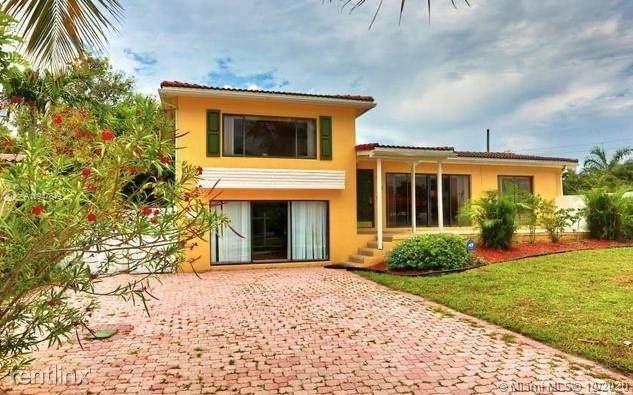 1425 NE 4th Ct, Boca Raton, FL 33432 (MLS #A10947649) :: The Howland Group