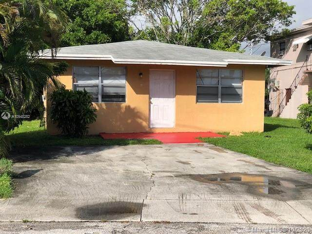 37 NW 6th Ave, Dania Beach, FL 33004 (MLS #A10948282) :: Berkshire Hathaway HomeServices EWM Realty