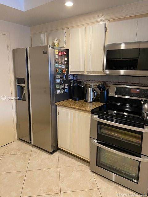 1880 S Ocean Dr #703, Hallandale Beach, FL 33009 (MLS #A10948467) :: Ray De Leon with One Sotheby's International Realty