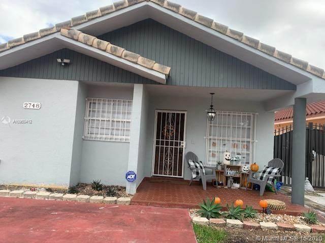 2748 W 74th St, Hialeah, FL 33016 (MLS #A10950412) :: The Paiz Group