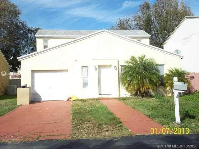 12007 SW 274 ST, Homestead, FL 33032 (MLS #A10950716) :: Albert Garcia Team