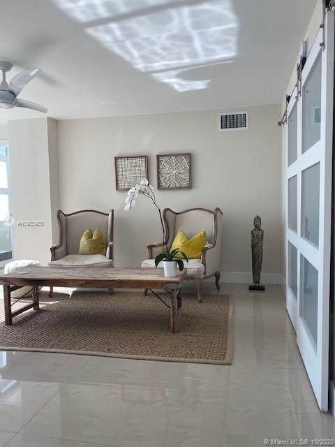 7135 Collins Ave #522, Miami Beach, FL 33141 (MLS #A10950950) :: Search Broward Real Estate Team at RE/MAX Unique Realty
