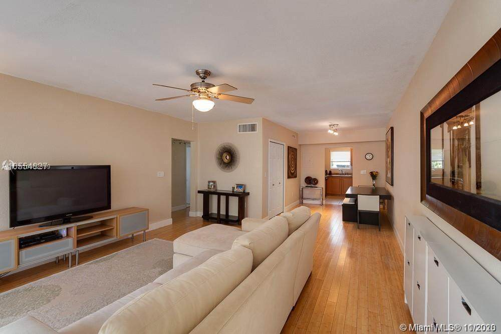 1140 99th St - Photo 1