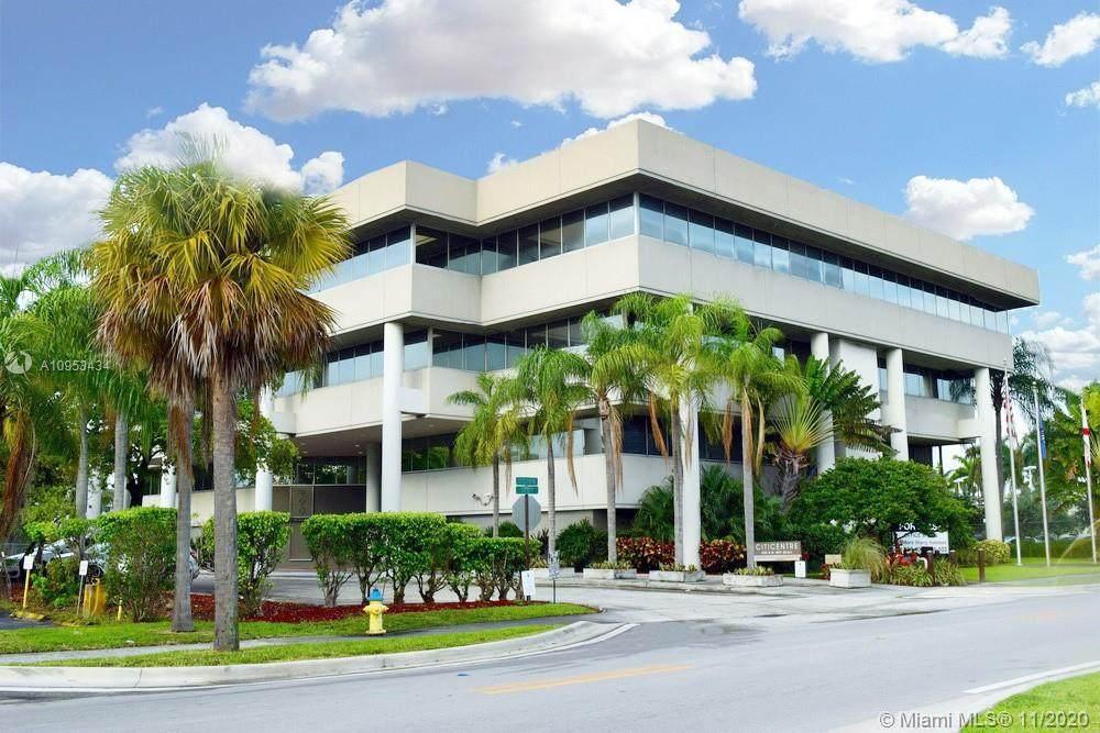 290 165th St Miami - Photo 1