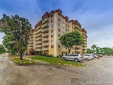 15600 NW 7th Ave #205, Miami, FL 33169 (MLS #A10954036) :: Berkshire Hathaway HomeServices EWM Realty
