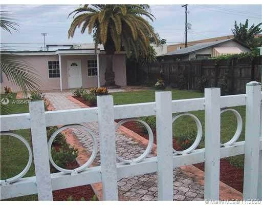 2327 Lee St, Hollywood, FL 33020 (MLS #A10954977) :: Miami Villa Group