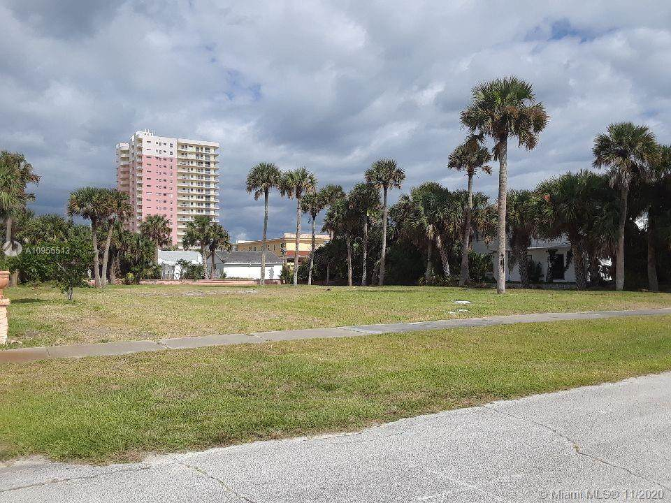 423-425 Pelican Ave - Photo 1