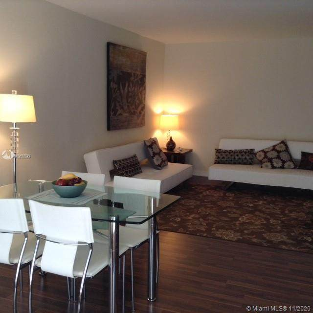 1340 Lincoln Rd - Photo 1