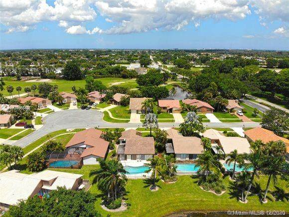 19625 Back Nine Dr, Boca Raton, FL 33498 (MLS #A10960436) :: THE BANNON GROUP at RE/MAX CONSULTANTS REALTY I