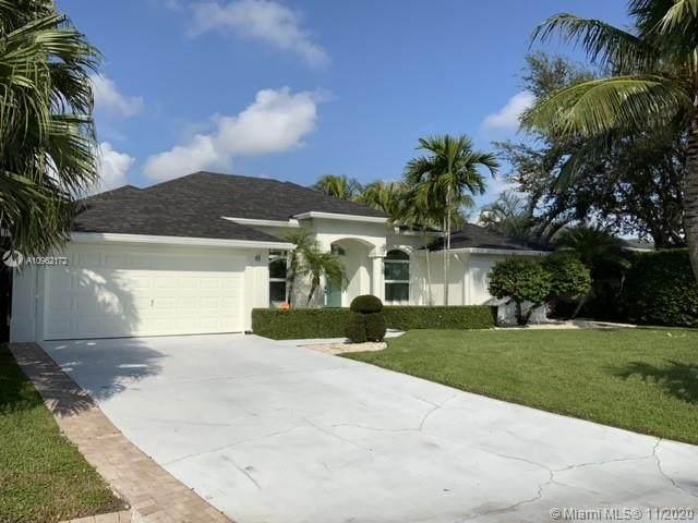 14019 N Miller Dr, Palm Beach Gardens, FL 33410 (#A10962172) :: Posh Properties