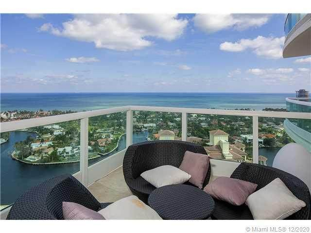 20155 NE 38th Ct #2704, Aventura, FL 33180 (MLS #A10962800) :: The Howland Group