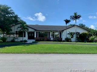 7840 SW 180th St, Palmetto Bay, FL 33157 (MLS #A10962938) :: Douglas Elliman