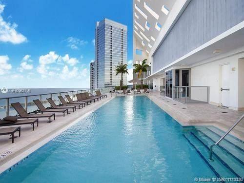 1300 E Brickell Bay Dr #2302, Miami, FL 33131 (MLS #A10963116) :: The Riley Smith Group