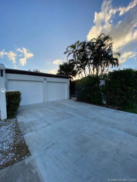5286 Stonybrook Dr, Boynton Beach, FL 33437 (MLS #A10963211) :: United Realty Group