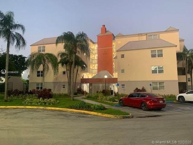 8215 Lake Dr #503, Doral, FL 33166 (MLS #A10964006) :: Green Realty Properties