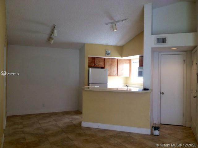 3400 Pinewalk Dr N - Photo 1