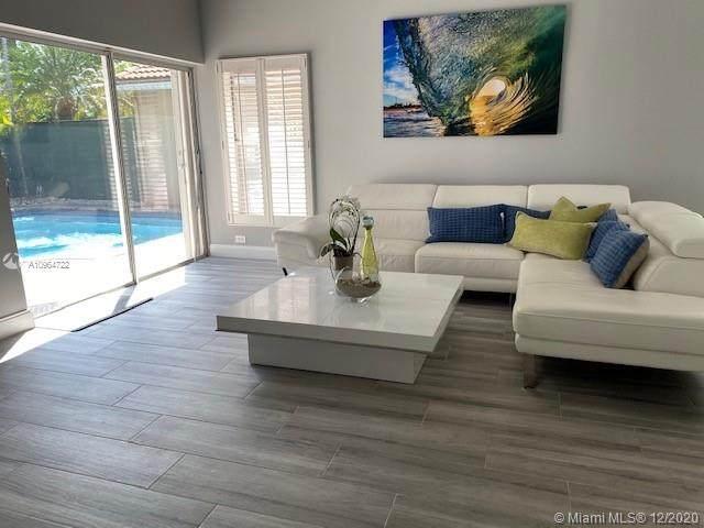 935 Scarlet Oak Ter, Hollywood, FL 33019 (MLS #A10964722) :: Carole Smith Real Estate Team