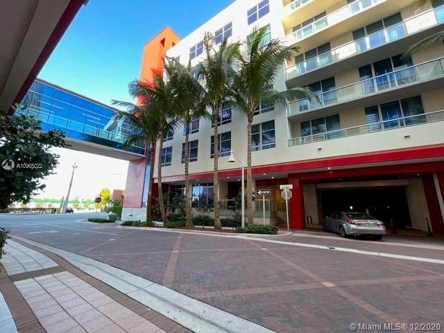 777 N Ocean Dr N422, Hollywood, FL 33019 (MLS #A10965022) :: Patty Accorto Team