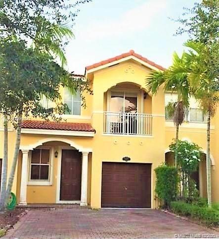 15057 SW 9th Way, Miami, FL 33194 (MLS #A10965042) :: The Azar Team