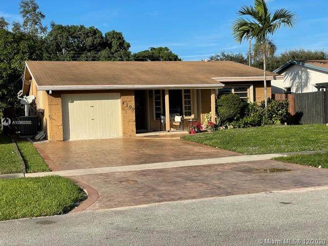 4109 Grant St, Hollywood, FL 33021 (MLS #A10968585) :: Laurie Finkelstein Reader Team