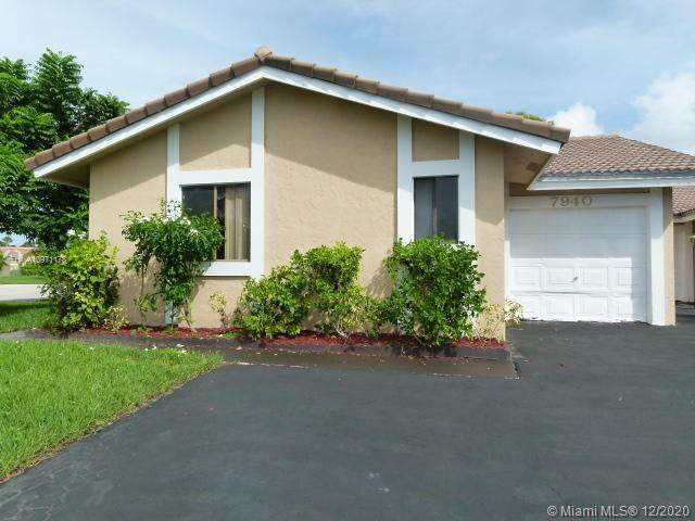 7940 NW 37th Dr, Coral Springs, FL 33065 (MLS #A10971178) :: Albert Garcia Team