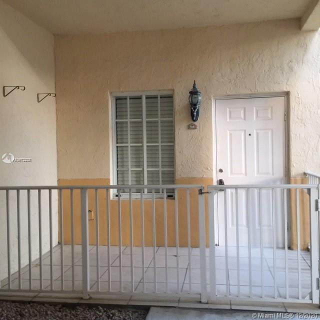 6912 NW 179th St 106-3, Hialeah, FL 33015 (MLS #A10972238) :: Green Realty Properties