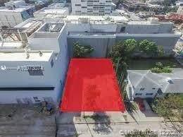 120 NE 42nd St, Miami, FL 33137 (MLS #A10973074) :: Douglas Elliman