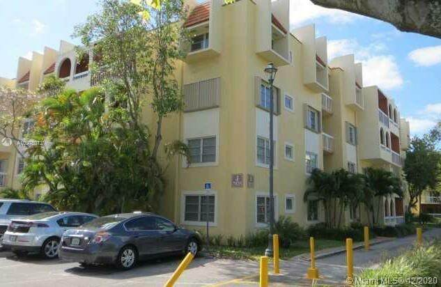 7825 Camino Real J-405, Miami, FL 33143 (MLS #A10975012) :: Albert Garcia Team