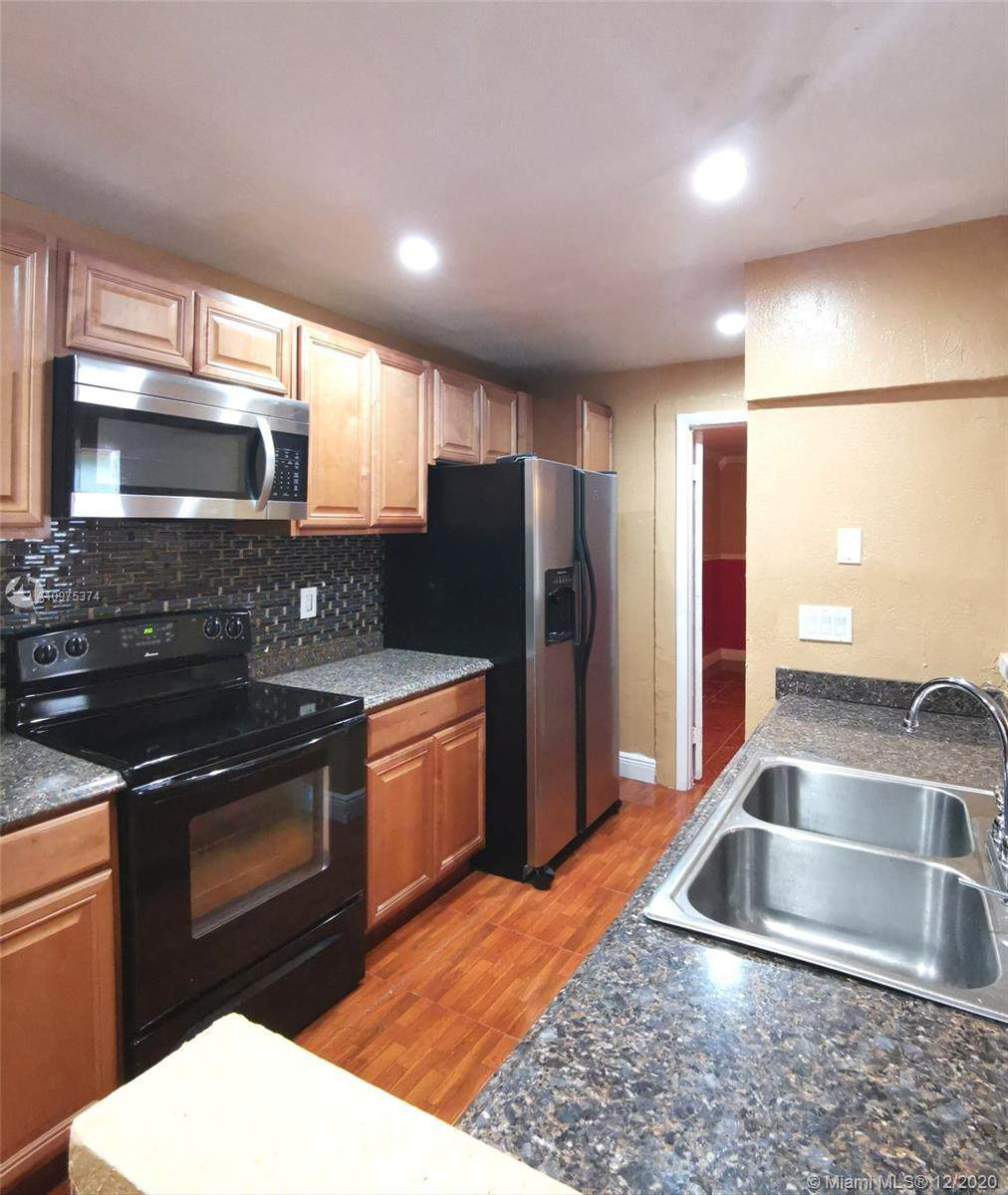 6518 Harbour Rd - Photo 1