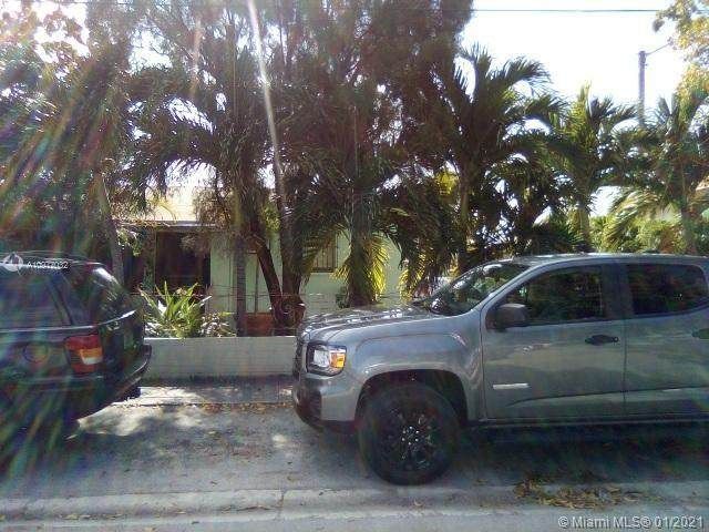 590 9th St - Photo 1