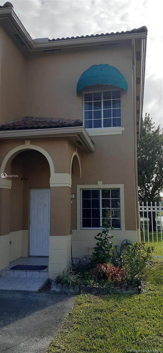 6970 NW 174th Ter #407, Hialeah, FL 33015 (MLS #A10977278) :: Albert Garcia Team