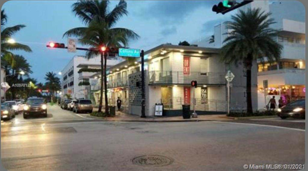 1059 Collins Ave - Photo 1