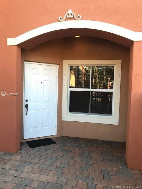 143 AVE NW 972 NW #2202, Pembroke Pines, FL 33027 (MLS #A10979999) :: The Teri Arbogast Team at Keller Williams Partners SW