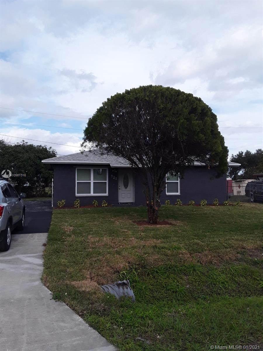 721 Florida Avenue - Photo 1