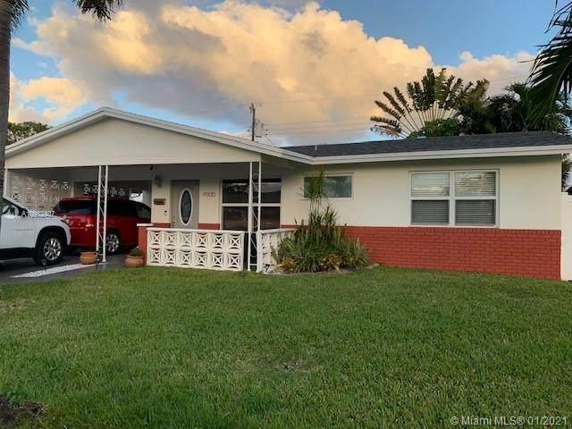 4900 NW 26 WAY, Tamarac, FL 33309 (MLS #A10982407) :: Berkshire Hathaway HomeServices EWM Realty