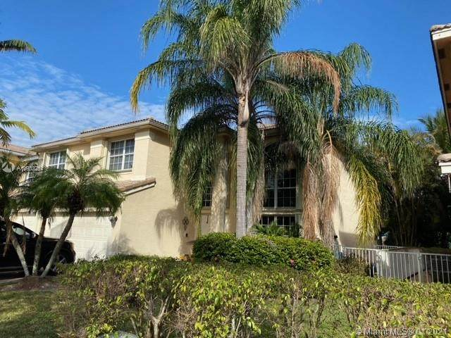 16491 SW 18th St, Miramar, FL 33027 (MLS #A10983214) :: Green Realty Properties