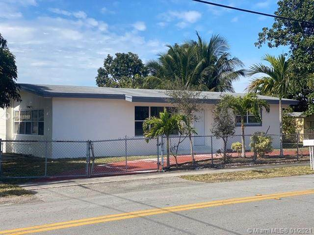 17202 NE 4th Ave, North Miami Beach, FL 33162 (MLS #A10983350) :: Albert Garcia Team