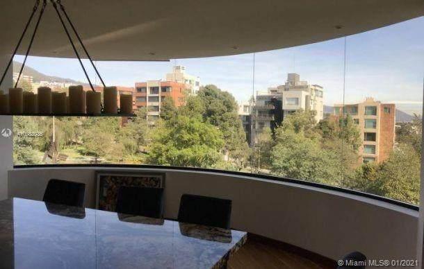QUITO TENNIS PEDRO R 216 Y CHARLES DARWIN, Yhjjuu, FL  (MLS #A10983936) :: Castelli Real Estate Services