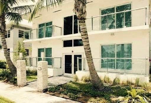 7171 Bay Dr #7, Miami Beach, FL 33141 (MLS #A10984401) :: The Paiz Group