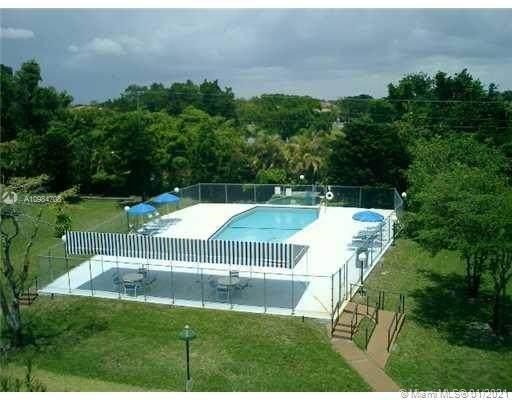 1601 NE 191st St B117, Miami, FL 33179 (MLS #A10984708) :: Green Realty Properties