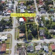 2412 NW 86 Th, Miami, FL 33147 (MLS #A10985171) :: Compass FL LLC