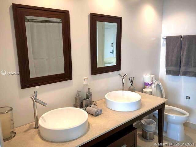485 Brickell Ave #2209, Miami, FL 33131 (MLS #A10986442) :: The Howland Group