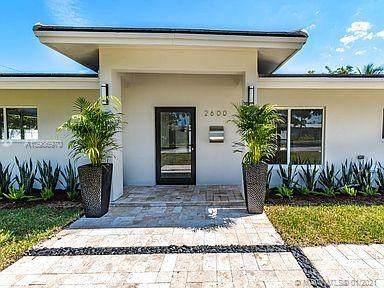 2600 NE 29th Ct, Fort Lauderdale, FL 33306 (MLS #A10986970) :: The Teri Arbogast Team at Keller Williams Partners SW