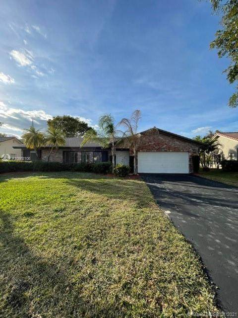 1446 NW 113th Ter, Coral Springs, FL 33071 (MLS #A10988106) :: United Realty Group