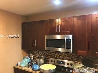 810 NE 124th St, North Miami, FL 33161 (MLS #A10988242) :: Carole Smith Real Estate Team