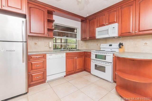 11727 SW 132nd Pl, Miami, FL 33186 (MLS #A10988454) :: Berkshire Hathaway HomeServices EWM Realty